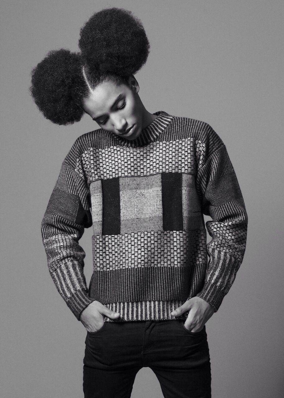 minnie black afro androgyne pull mannequin